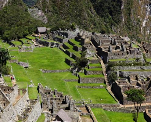Ausblick zum Hauptplatz von Machu Picchu