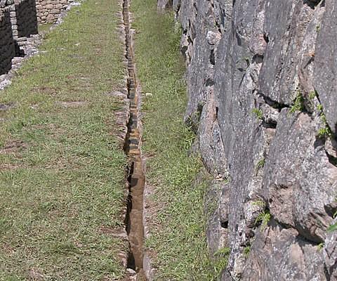 Wasserkanal Machu Picchu