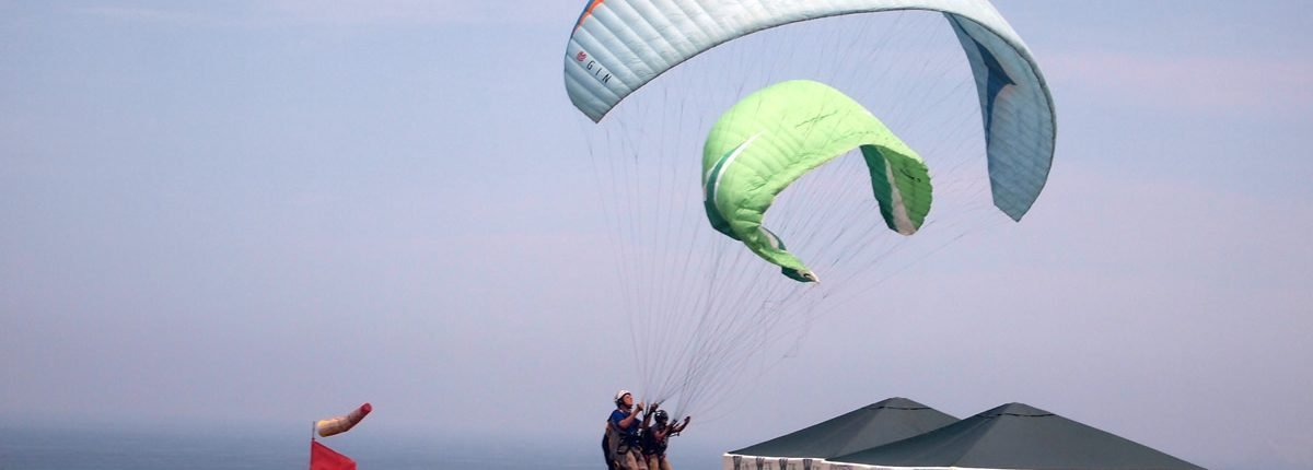 Lima Peru Miraflores Paragliding
