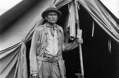 Hiram Bingham am Basislager
