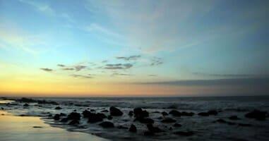 Beach in der Abenddämmerung
