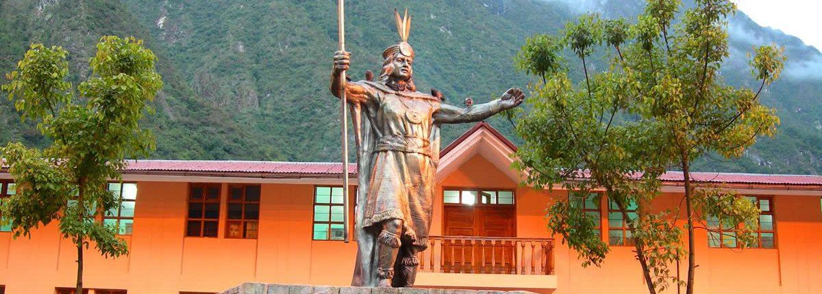 Aguas Calientes Statue