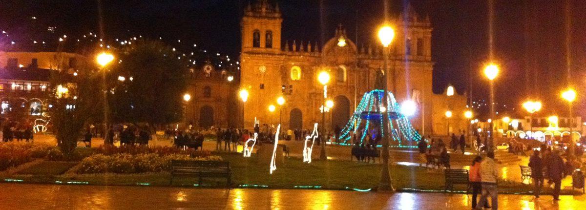 Cusco Plaza de Armas Nachts