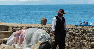 Gente en Amantani Lago Titicaca