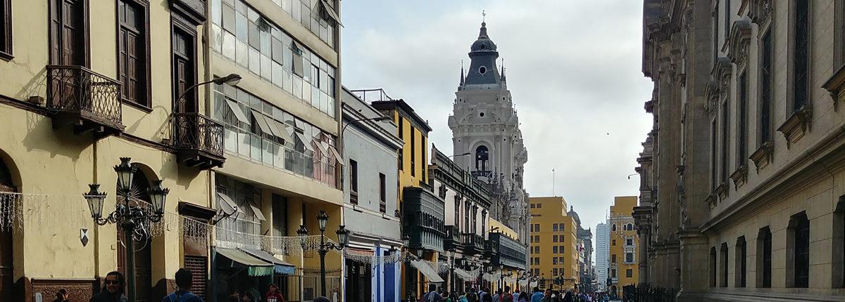 Weg zum Plaza de Armas in Lima