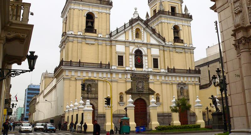Basilica San Pedro in Lima
