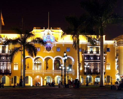 Palacio Municipal Stadtpalast Lima bei Nacht