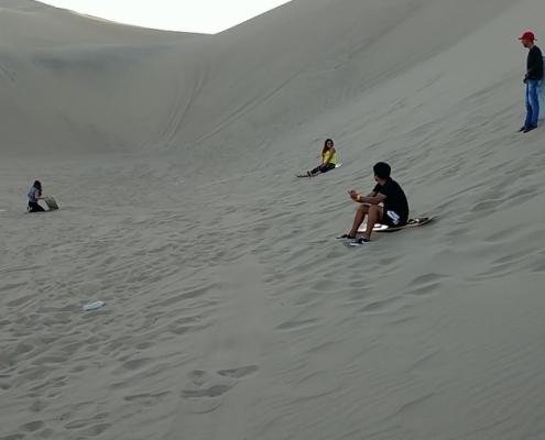 Huacachina sandboarding