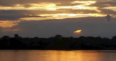 Sonnenuntergang im Tambopata