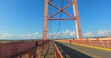 Längste Brücke Perus in Puerto Maldonado
