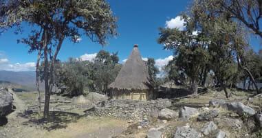 Kuelap Hütten