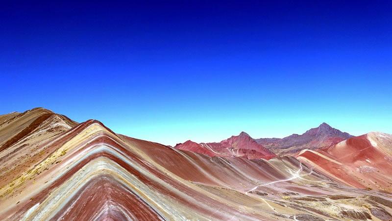 Vinicunca, 7 farbiger Regenbogenberg auch Rainbow Mountain